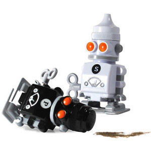 Cf87_salt_and_pepper_robots