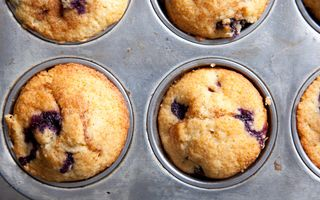 Re-kemp-august-2009-whole-wheat-blueberry-muffins-608